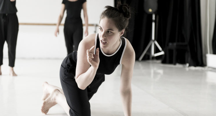 Performance and workshop-in-Contemporary-dance